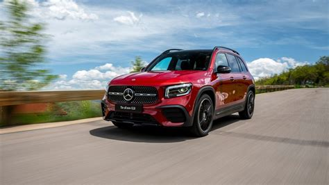 From the cars.com expert editorial team. IAA 2019: Mercedes-Benz GLB 250 4MATIC.