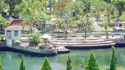 tempat wisata  kediri  hits gambar  info