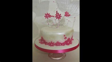 torte decorate con fiori torta decorata con fontana di fiori