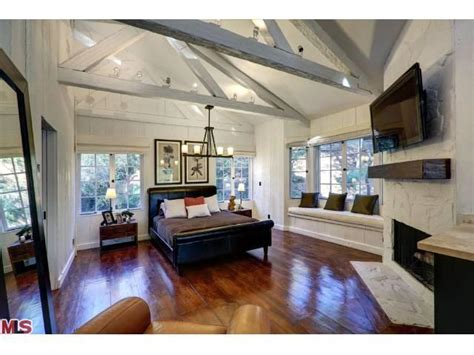 ed o neill house venice cher buys ed o neill s former home in beverly hills post