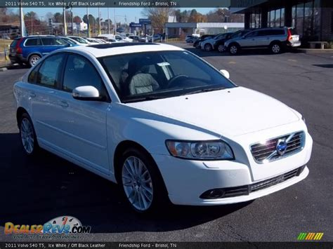 2011 Volvo S40 T5 by 2011 Volvo S40 T5 White Black Leather Photo 4