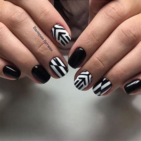 Лучшие идеи стильного маникюра в черных тонах 20202021 — фото дизайна ногтей с черным лаком