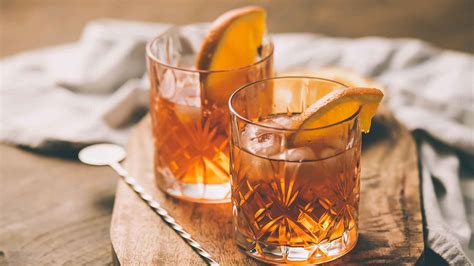 old fashioned how to make the ultimate old fashioned cocktail gq india