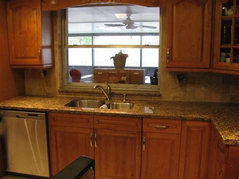Countertops And Backsplash Ideas by Kitchen Countertops And Backsplashes Kitchen With