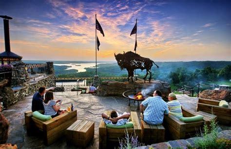 restaurants  missouri  jaw dropping views