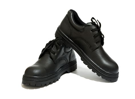 Best Safety Shoes 15 Best Safety Shoes Reviewed In 2018 Nicershoes