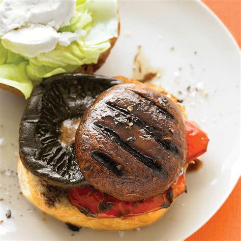 balsamic portobello burgers  bell pepper  goat cheese