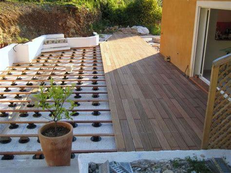 terrasse carrelage sur plot maison design lcmhouse