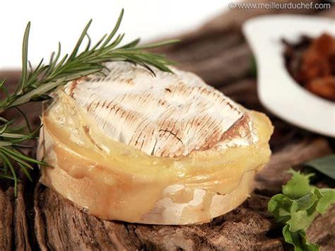 recette de cuisine camembert au four camembert rôti la recette illustrée meilleurduchef com