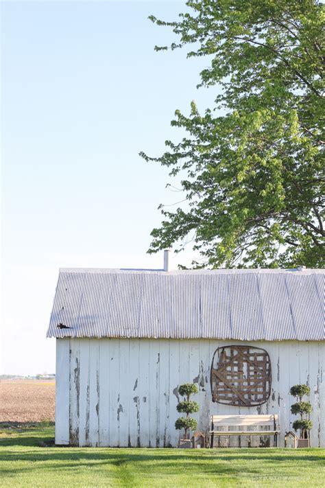 Little White Barn Spring Decor  Love Grows Wild