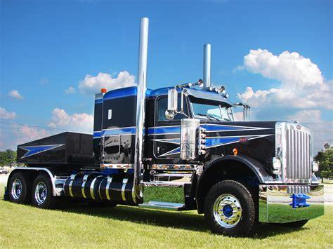 Heavy Duty Work Trucks by Heavy Duty Truck Repair Semi Truck Shop Tlg