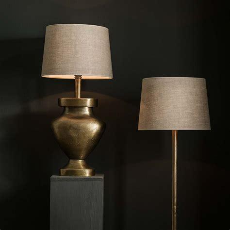 vicenza lampfot  ramaessing svarvad lampa