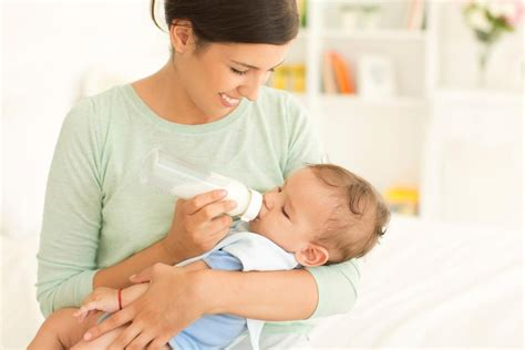 Basic Information About Bottle Feeding Every Young Mom