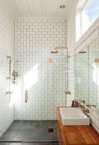 salle de bain avec 224 l italienne en carrelage m 233 tro