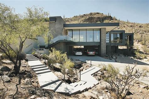 Real Estate by Christie Smythe: Home, art inside are both ...