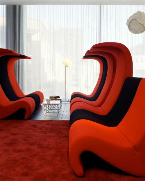 roter teppich wohnzimmer rotes sofa ins innendesign einbeziehen inspirierende rote sofas