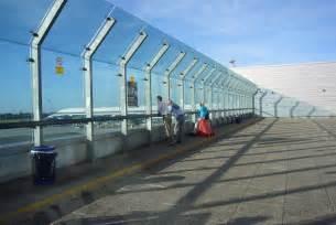 observation decks stuck at the airport