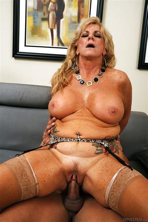 Mature Big Tits Gangbang