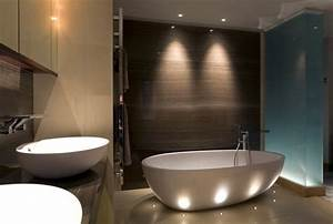 Ambiance Salle De Bain : bien choisir son clairage de salle de bain bienchezmoi ~ Melissatoandfro.com Idées de Décoration