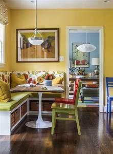 Farben Für Küche : sch ne sitzecke mit bank und leuchtenden farben f r w nde und polsterungen esszimmer ~ Orissabook.com Haus und Dekorationen