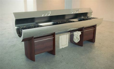 Innovative Kitchens & Curvaceous Countertops