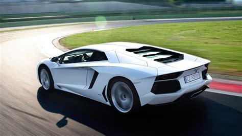 Awesome Lamborghini Aventador Wallpaper