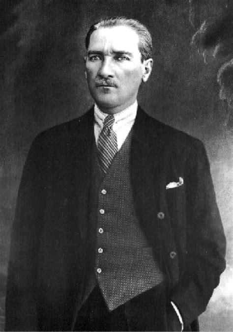 Mustafa Kemal Atatürk  Atatürk Resimleri  En Güzel