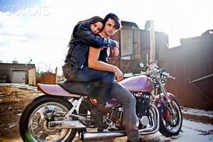 ir lejos en moto a toda velocidad!   couple's bucket list ...
