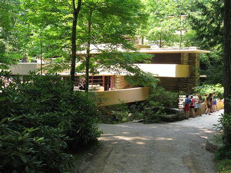 maison sur la cascade fallingwater summer landscape internships