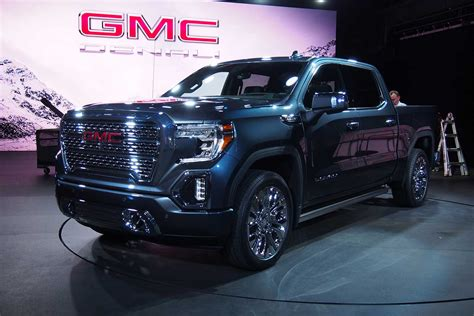 2019 Gmc Sierra Offers Carbon Fiber Bed, Multiposition
