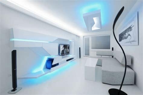 renovierte weisse wohnung mit futuristischem innendesign