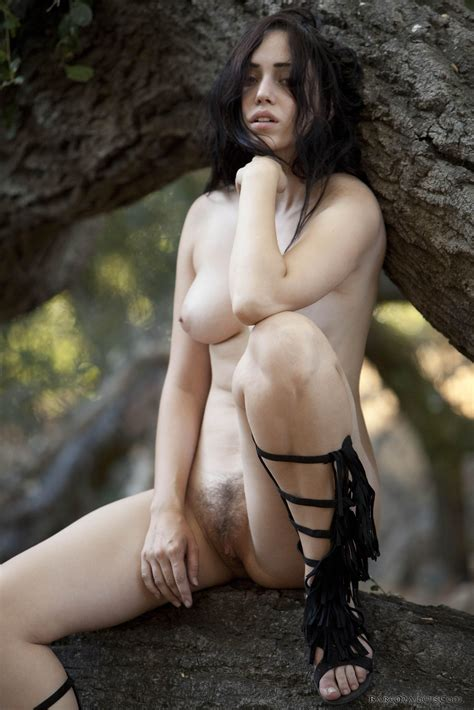Hairy Nude Brunette Babe Wearing Flat Sandals Tgp