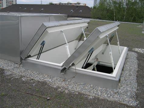 dachluke mit treppe dachluke mit treppe gorter deutschland dachausstiege wand und deckenluken und bodenluken