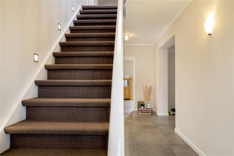 teppich auf teppich teppich auf trep teppich auf treppe verlegen stunning teppich bunt conexionlasallista
