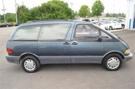 Very Cheap Minivan Under $500 in KY (Toyota Previa LE '92