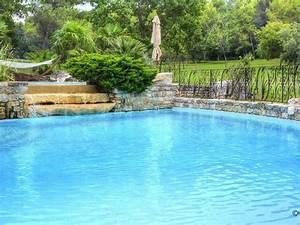 Piscine Avec Cascade : mas ancien restaure avec gout piscine avec cascade tennis ~ Premium-room.com Idées de Décoration