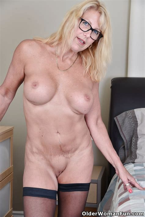 54 Year Old Canadian Milf Bianca From Olderwomanfun Zdjęć 16