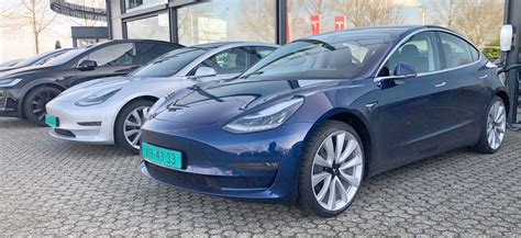 30+ Tesla 3 For Sell Gif
