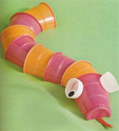 creare con bicchieri di plastica 22 idee per lavoretti con bicchieri di plastica per