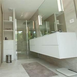 Meuble salle de bain blanc épuré