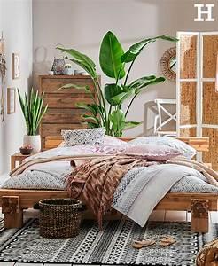 Grünpflanzen Im Schlafzimmer : ein schlafzimmer das unser fernweh stillt warme holzt ne ethno muster und gr npflanzen lassen ~ Watch28wear.com Haus und Dekorationen