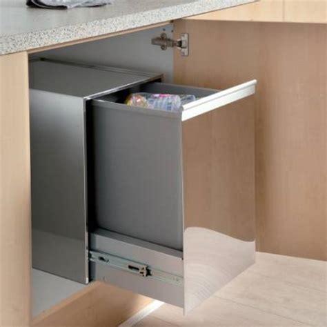 poubelle de cuisine coulissante monobac poubelle 1 bac 35l coulissante meuble de 400mm accessoires