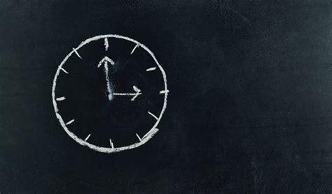 wintertijd klok vooruit zomertijd gaat de klok nou voor of achteruit kidsweek