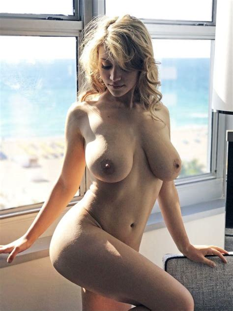 Caylee Cowan Nude - Xxx Photo