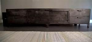Tv Möbel Metall : m bel aus metall handwerk zwischen funktionalit t und kunst ~ Whattoseeinmadrid.com Haus und Dekorationen