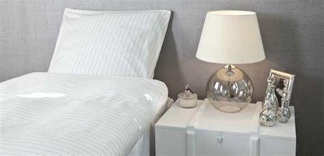 comodini in vetro da letto dalani comodini sospesi design per la da letto