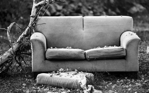 restaurer un canapé relooker un vieux canapé les astuces decodambiance