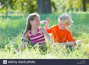 Junge Mädchen Fotos : tickling stockfotos tickling bilder alamy ~ Markanthonyermac.com Haus und Dekorationen