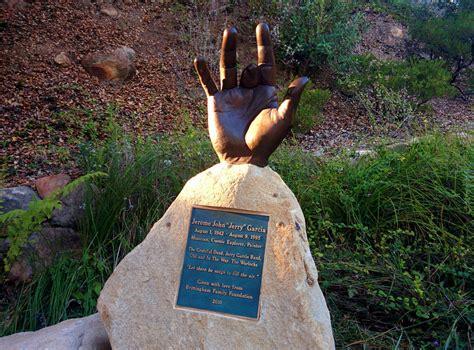 Jerry Garcia's hand sculpture at Santa Barbara Bowl - Jerr ...