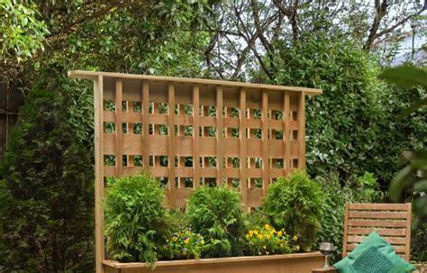 diy privacy screen projects   patio  backyard